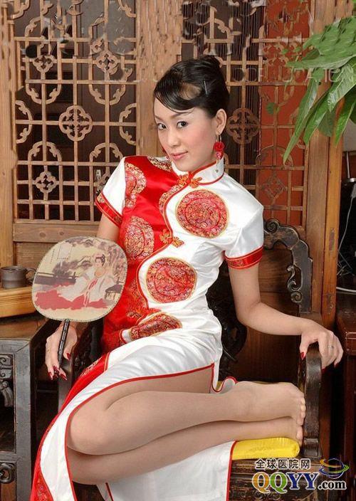 中国古典旗袍妩媚美女