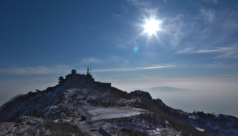 冬天的泰山风景图片
