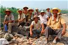 农民工-----烈日下的石匠1