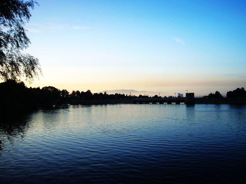 湖光山色1