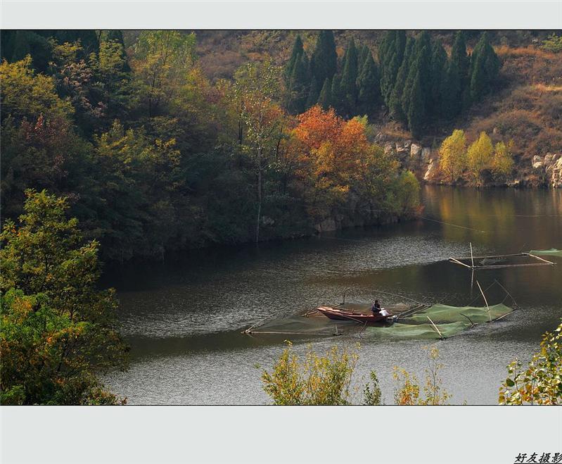 秋到红叶谷