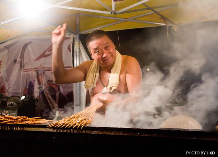 求片名韩片主人公去吃烧烤劝老板不要拿活的章鱼来烧.