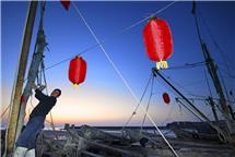 """田横祭海节之""""红""""(组照)"""