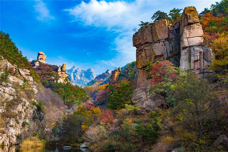 北九水风景区是崂山众多景区之一.