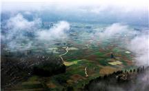 云朵下乡村