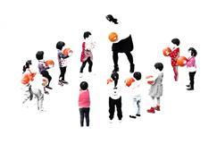 小朋友们的篮球课