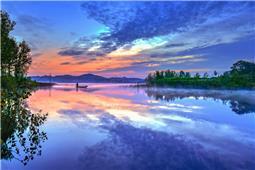 画意灵龟湖
