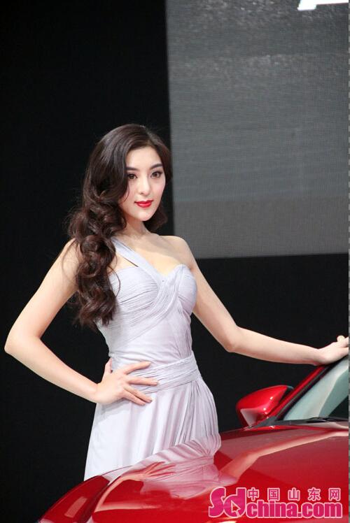 马里奥? 盘点青岛国际车展中的明星脸
