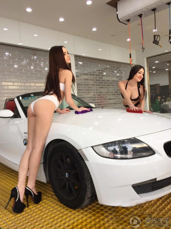 河南一4s店开业 雇比基尼美女洗车揽客 山东