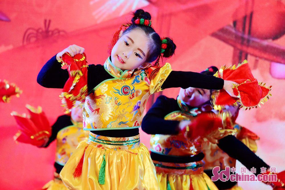 <br/>  孩子们的童真表演、教师的风采展示,展现了茌平县教育积极向上的精神风貌。<br/>