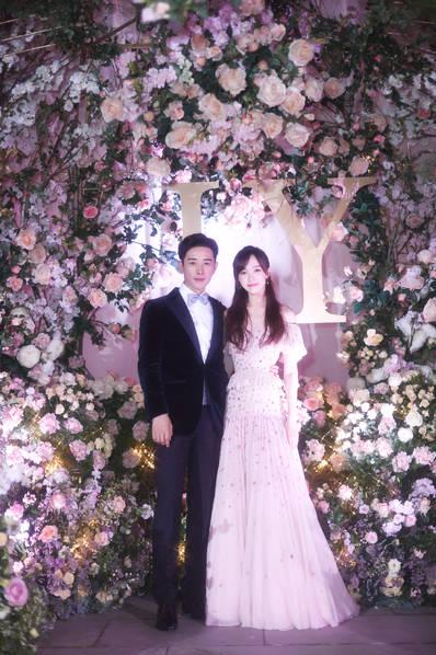 <br/>  唐嫣罗晋婚礼现场照。<br/>