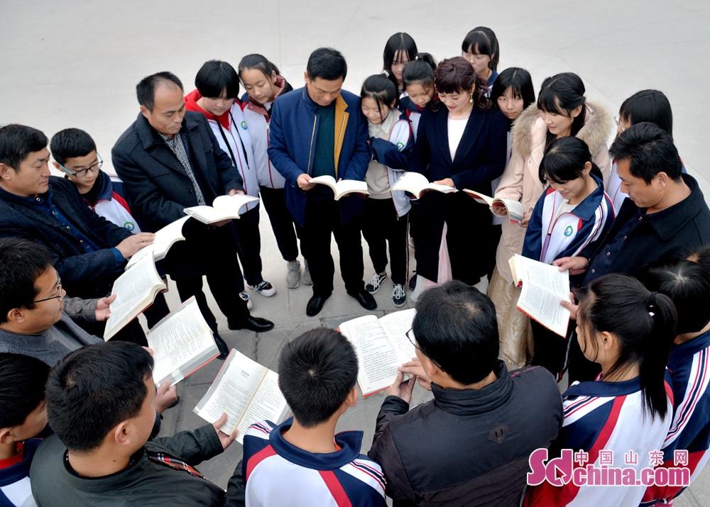 这次诗社进校园活动,是诗社的又一创举。诗社入驻东阿四中,是曹植诗社进校园活动的第一站。<br/>