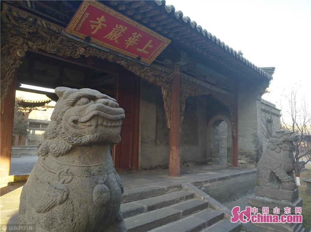 如果说华严寺象征着辽国皇室宗庙的尊严,那么云冈石窟则代表着一个民族用一个朝代雕作而成皇家风范的佛教艺术宝库。<br/>
