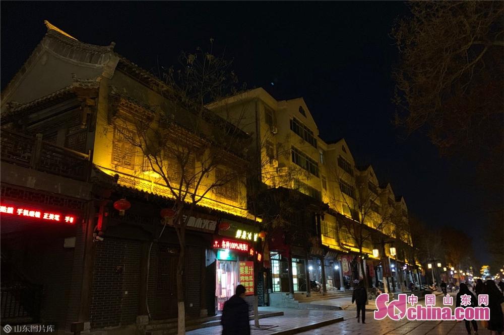 <br/>  近年来,青州市紧紧围绕&ldquo;经济文化强省&rdquo;和&ldquo;文化潍坊&rdquo;建设,全力打造&ldquo;东方花都、文化青州&rdquo;品牌,以文化凝聚力量、以文化激发活力、以文化推动发展。<br/>