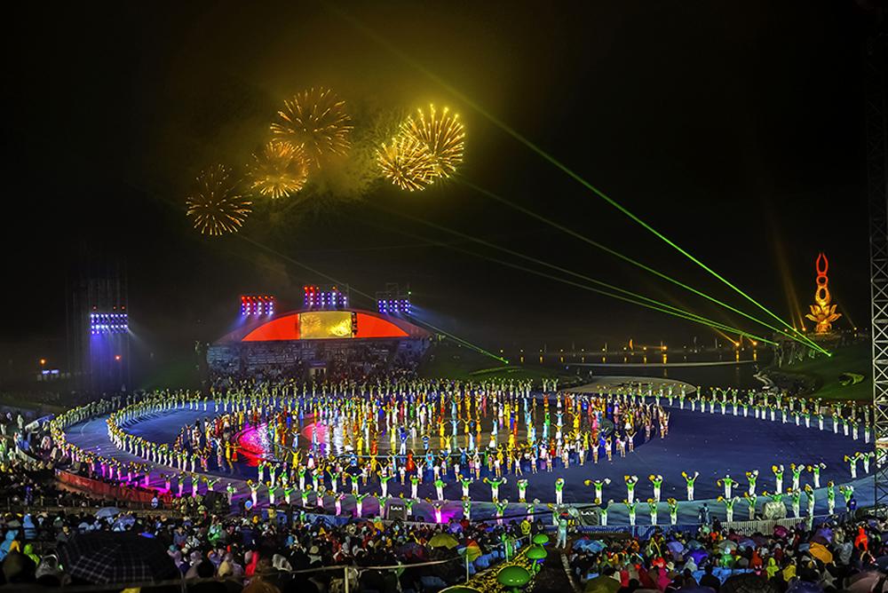 《盛会-亚沙会开幕式》 2012年6月16至22日,第三届亚洲沙滩运动会在海阳市举行。(孙强)<br/>