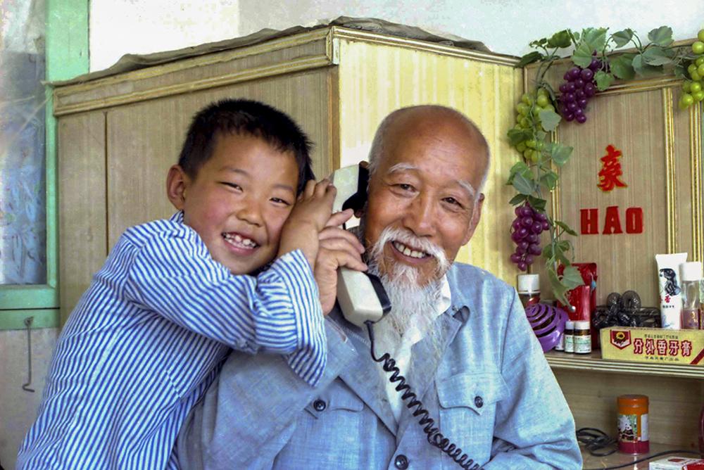 1991年,电话进入栖霞桃村镇百姓家。(林浩)<br/>