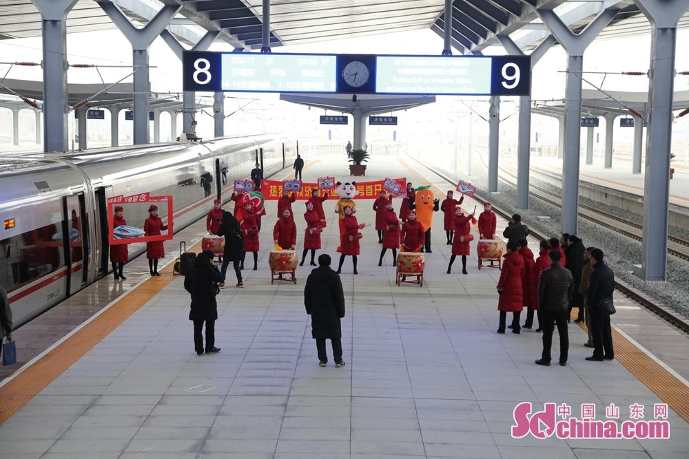 제남부터 청도까지 가는 제일 빨른 열차의 운영 시간은 원래의 2시20분은 1시40분으로 압축된, 북경부터 청도까지 간 시간은 52분 줄릴 것이다.<br/>