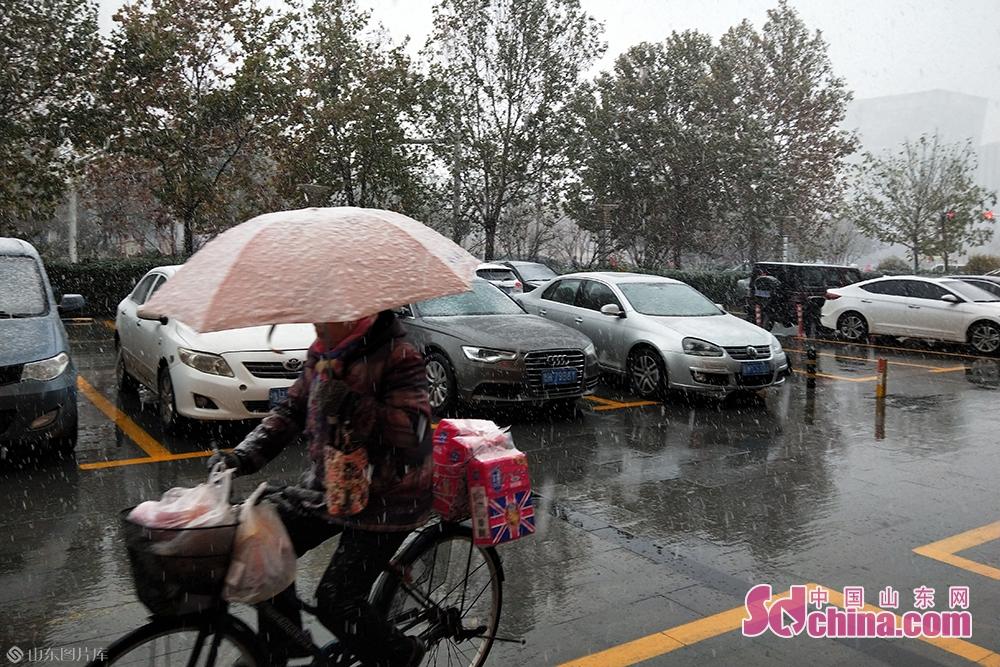 初雪を迎えた済寧市。<br/>