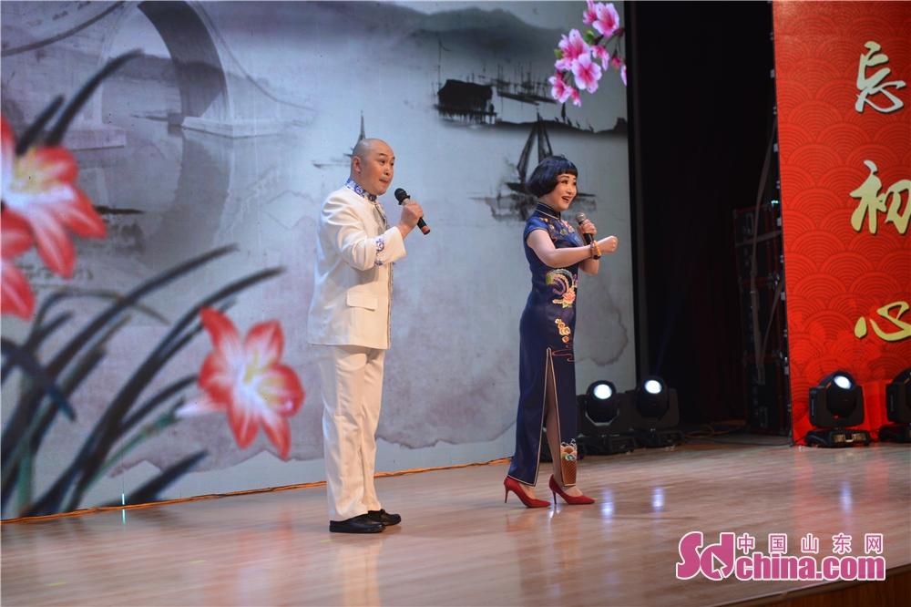 <br/>  第24届中国戏剧梅花奖获得者、省戏剧家协会副主席,市五音戏剧院国家一级演员,市戏剧家协会主席吕凤琴表演五音戏传统剧目《拐磨子》。