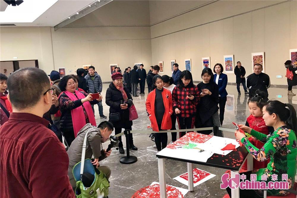 <br/>  3月1日,由山东省文联主办,山东省民间文艺家协会、济南市美术馆承办的齐鲁工匠手艺体验基地成果汇报展在济南成功举行。<br/>