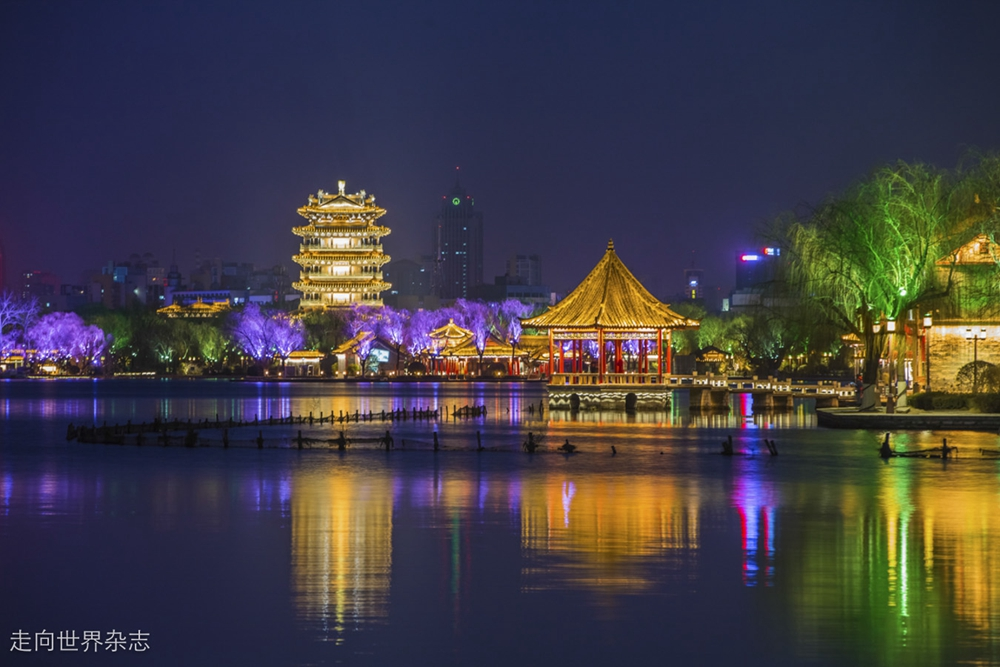 <br/>  早在唐宋时期,大明湖就以其撼人心弦的美景而闻名四海。<br/>