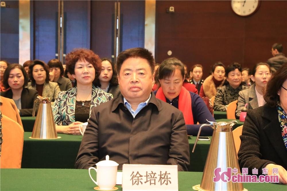 <br/>  淄博市政协副主席徐培栋。