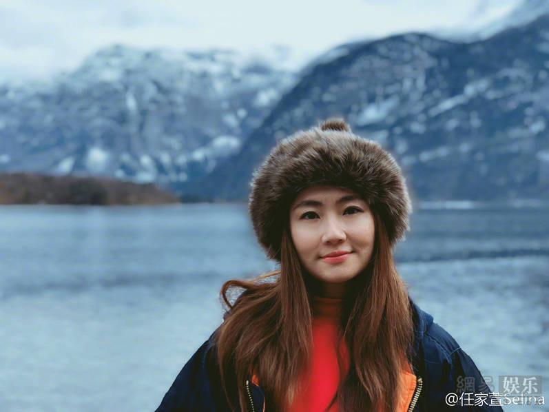 <br/>  3月13日下午,Selina在自己的社交账号上分享了今天自己游玩的照片,拍出了&amp;ldquo;标准游客照&amp;rdquo;味道!<br/>