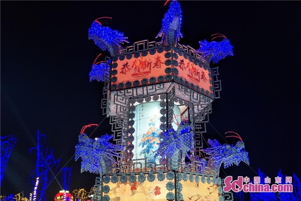 <br/>  特色瓷器灯组&amp;mdash;炫彩宫灯,由10余非遗传承人历时60天手工轧制。<br/>