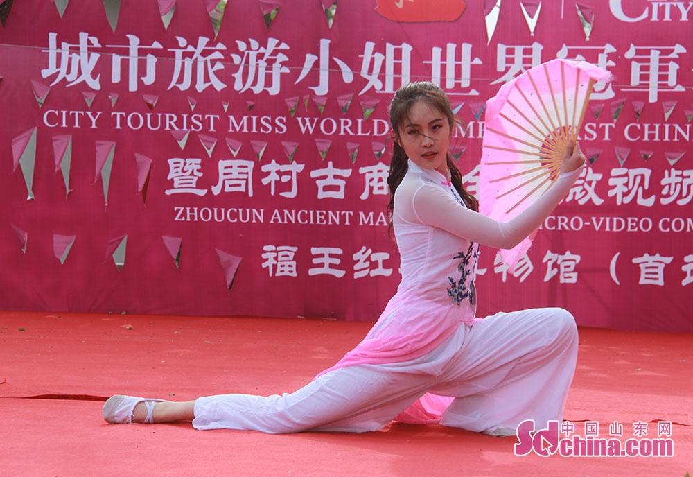 <br/>        更在比赛中展现了婀娜的舞姿。