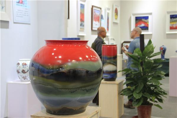 与大师面对面 上万件精美陶瓷陶艺作品亮相文展会