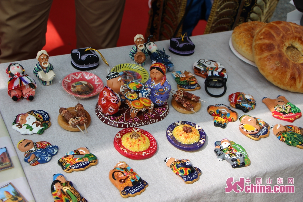 Handicrafts and food of Uzbekistan is seen in the festival. The 17th SDU International Culture Festival kicked off on April 24 in Shandong University in Jinan, east China's Shandong Province.