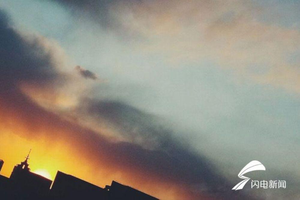 夕阳无限好,今天的济南城,随手一拍便是大片。<br/>