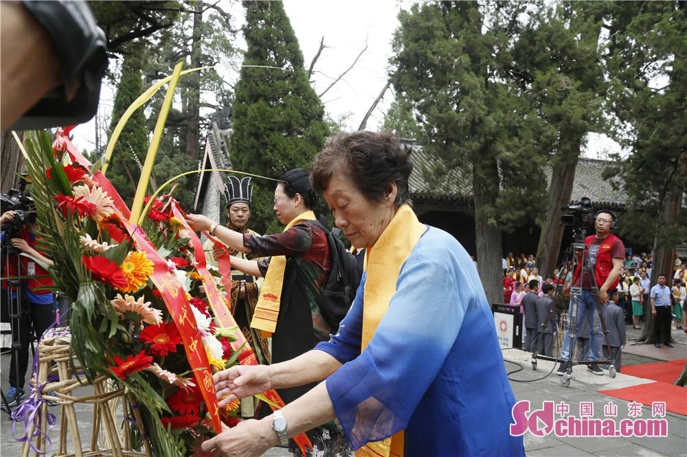 <br/>  辽宁省母亲节促进会副会长姜永芹告诉记者:&amp;ldquo;以孟母为中华母亲的代表、以孟子的生日为中华母亲节有群众基础,更有历史基础。我们倡导设立自己的中华母亲节,就是希望在我们自身独特的文化孕育中,在全社会形成感恩母亲、崇尚母爱、重视母教的文化氛围。&amp;rdquo;