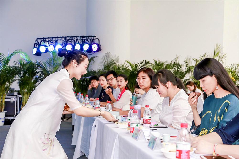泉与茶的融合 爱茶人齐聚泉城共促济南茶产业发展(组图)