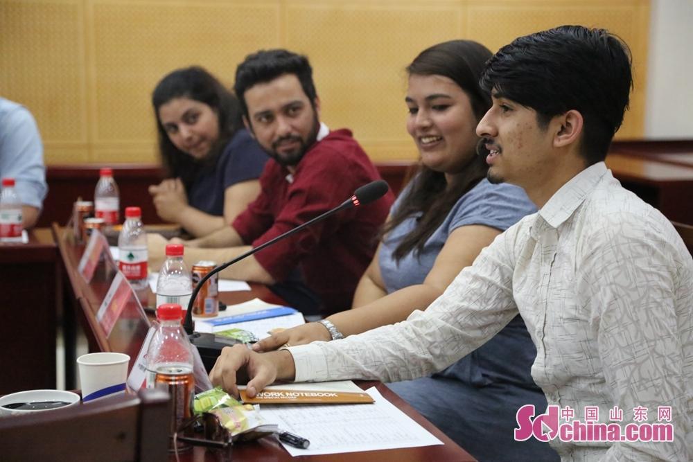 来自尼泊尔的留学生曼诺发言,表达了在&amp;ldquo;一带一路&amp;rdquo;倡议下,增进了解、加强合作的愿望。<br/>