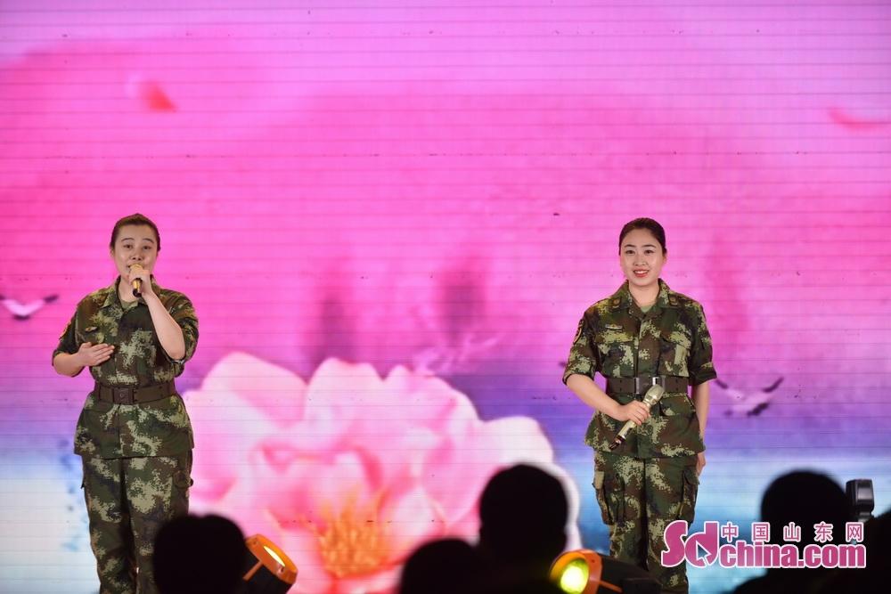 <br/>  深情演绎了孝亲敬老的中华民族传统美德;演出在歌曲《母亲是中华》中圆满落幕。