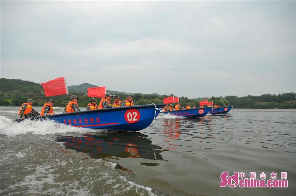<br/>        山东陆军预备役工兵团政治委员黄健介绍,要想关键时刻打得赢,必须平时训练过硬。