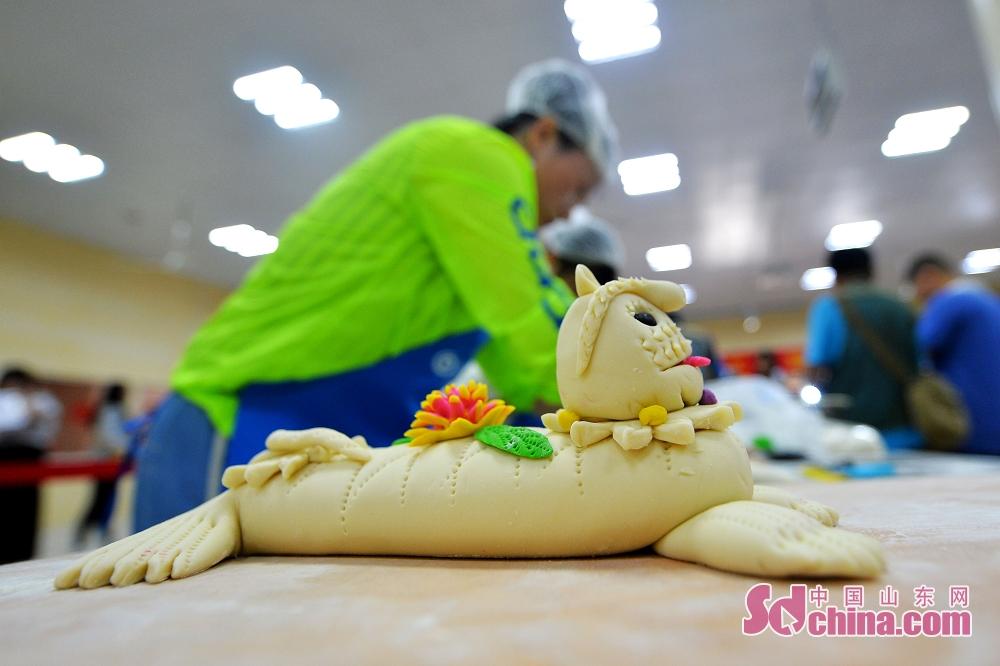 청도시노산구 왕가장 촌민 호랑이 모양된 만두를 제작해서 만두대회를 참가하려 한다.
