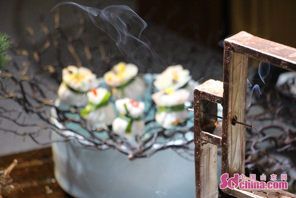 <br/>  香薰与美食搭配是一种情怀,味蕾与缥缈的青烟共舞是一种意境。<br/>