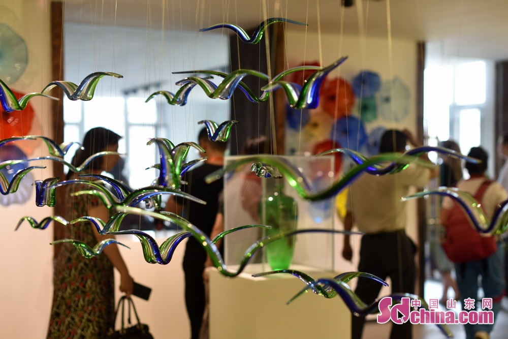 A set of colored glaze ornaments is seen in 2018 Boshan Colored Glaze Culture and Art Festival in Boshan. The five-day festival kicked off on August 28 in Boshan District of Zibo, east China&rsquo;s Shandong Province.<br/>