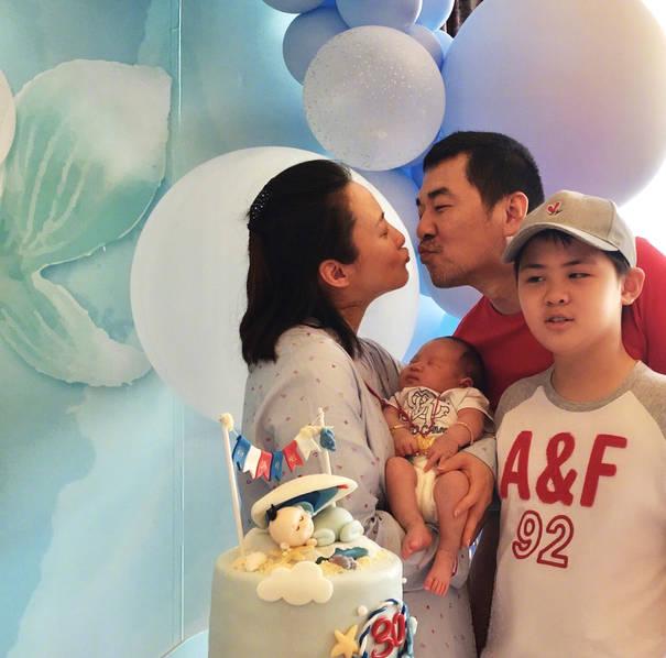<br/>  据悉,蒋勤勤和陈建斌于2006年结婚,2007年1月生下大儿子小虎子,今年7月生下第二个儿子锵锵。<br/>