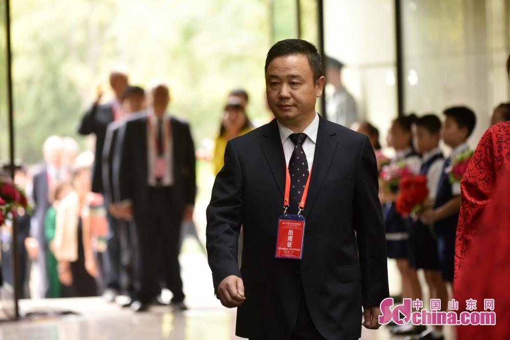 <br/>  山东理工大学副校长查玉喜。