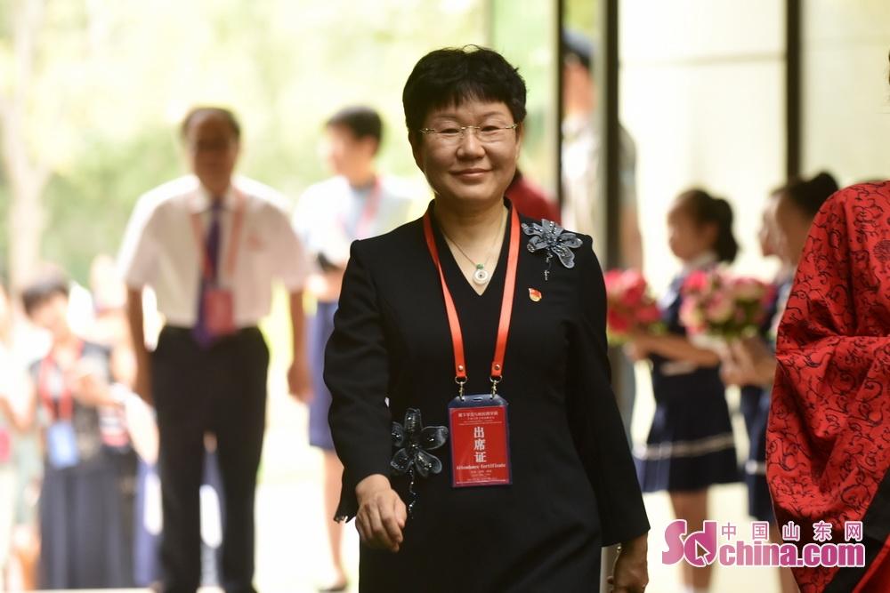 <br/>  临淄区委常委、宣传部部长国爱梅。