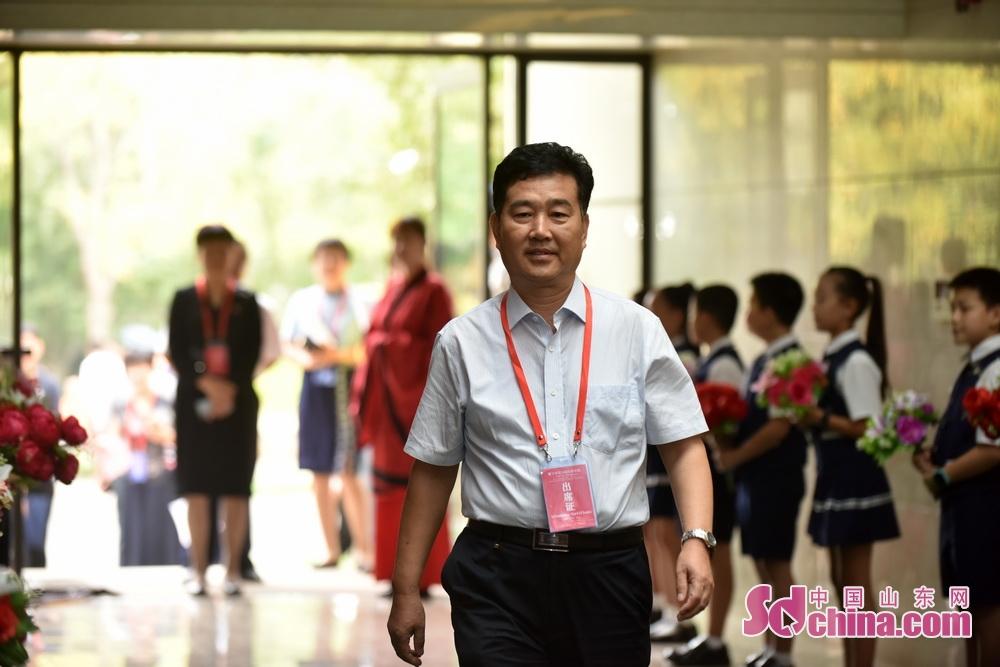 <br/>  淄博市市科联主席、齐文化研究院院长任传斗。