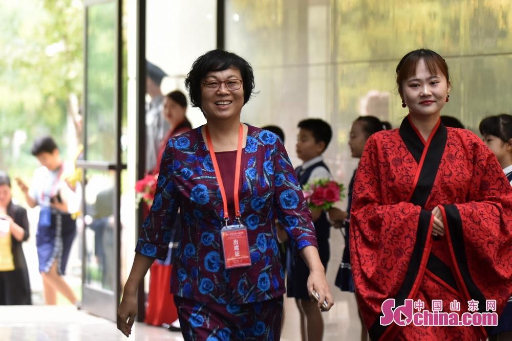 <br/>  淄博市委常委、宣传部部长毕荣青。
