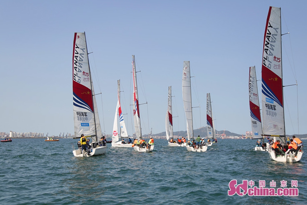 <br/>  本届赛事将帆船与各行各业、各个方面紧密连接,将赛事提升到了一个新的高度,吸引了众多市民及游客观赛,还吸引了不少摄影爱好者。