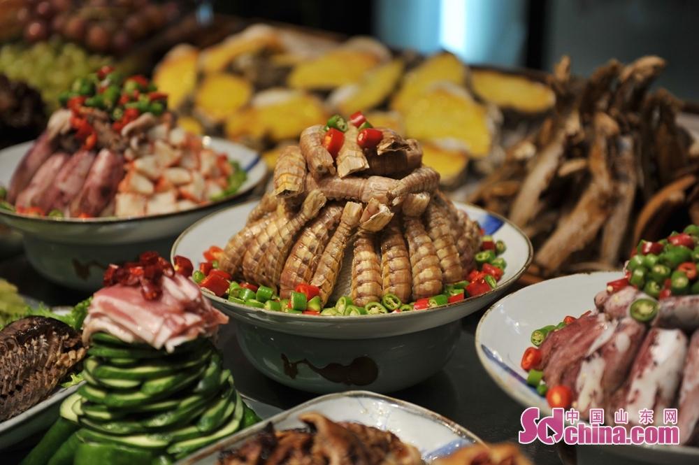 <br/>  琵琶虾等海鲜食材。