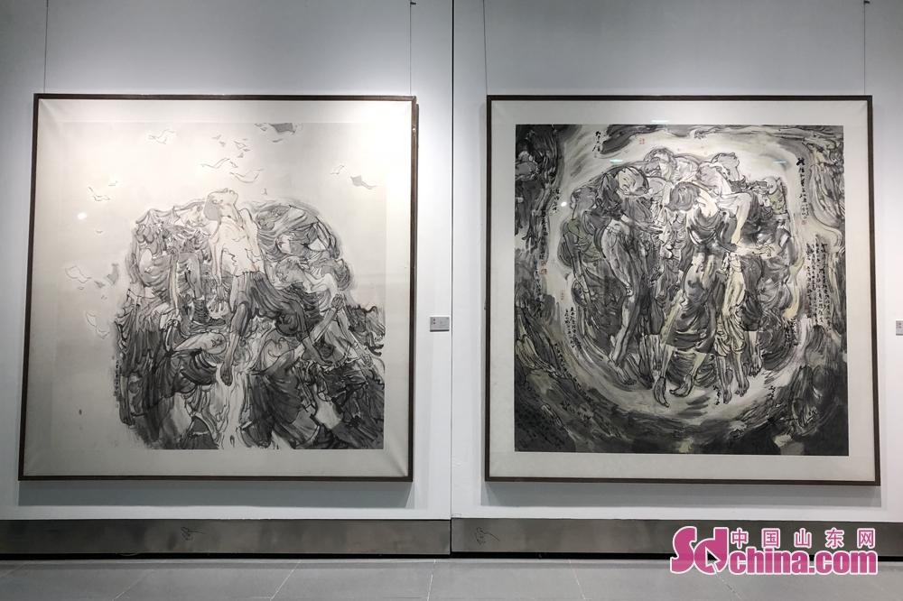 <br/>  从单一的书画作品展出到各门类艺术品集中展示,从展出精品书画到大众书画展出,内容更加丰富,更加贴近群众。<br/>