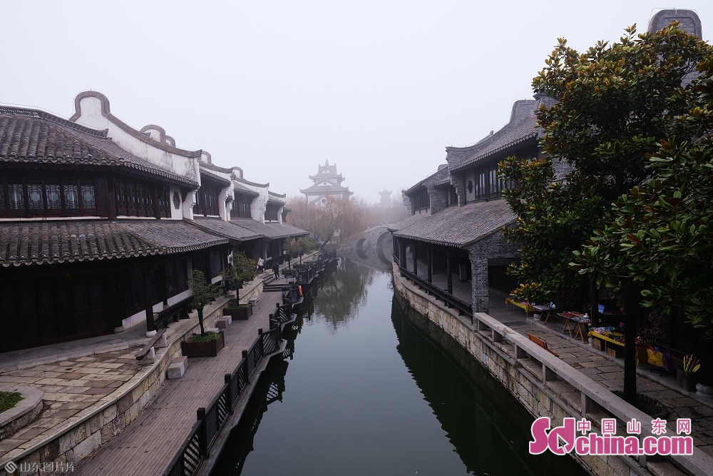 Photo taken on January 15 shows the beautiful scenery of the ancient town of Taierzhuang in Zaozhuang, east China&amp;rsquo;s Shandong Province.<br/>
