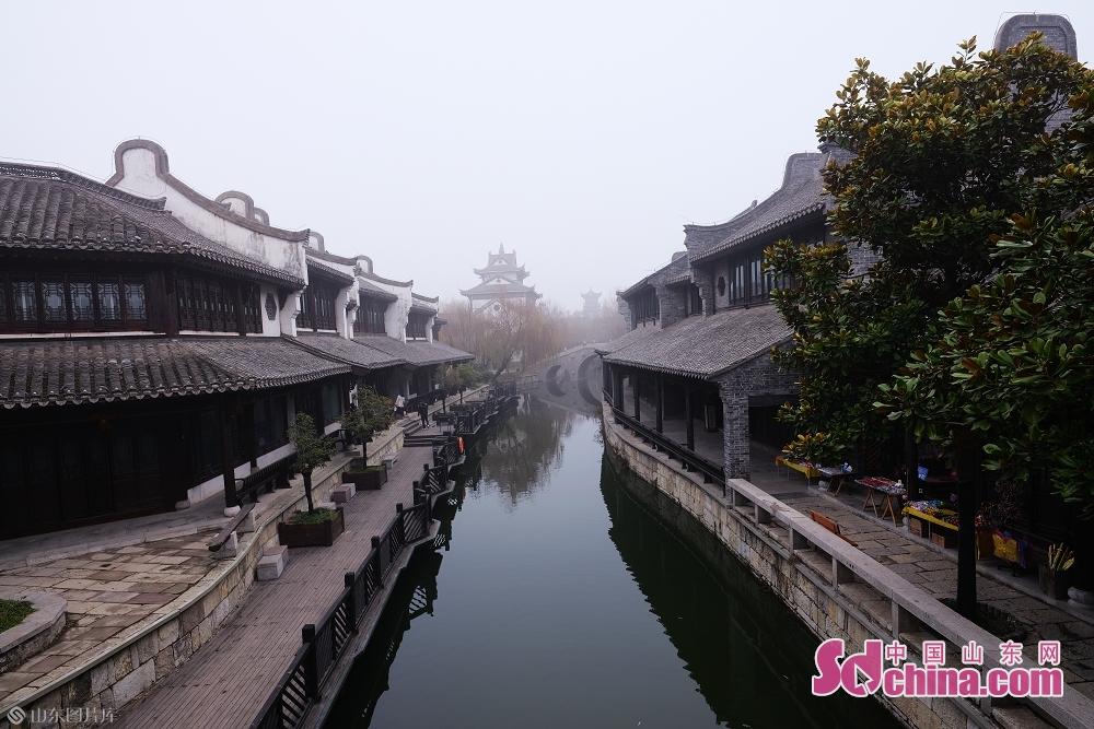 冬の台児庄古城で、観光客は少なく、静かになる。(撮影:張仁玉)<br/>